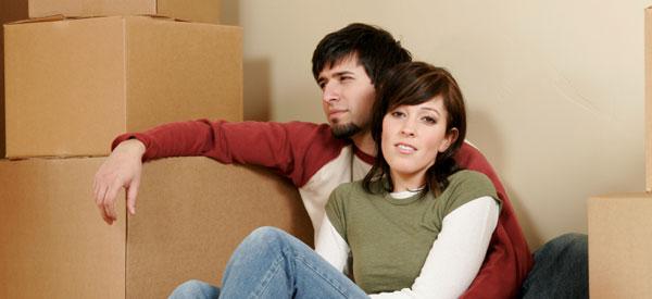 photo: moving-couple